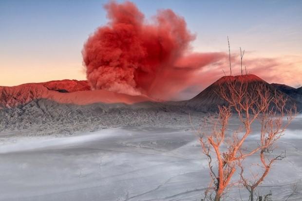 spectacular volcanic smoke 6