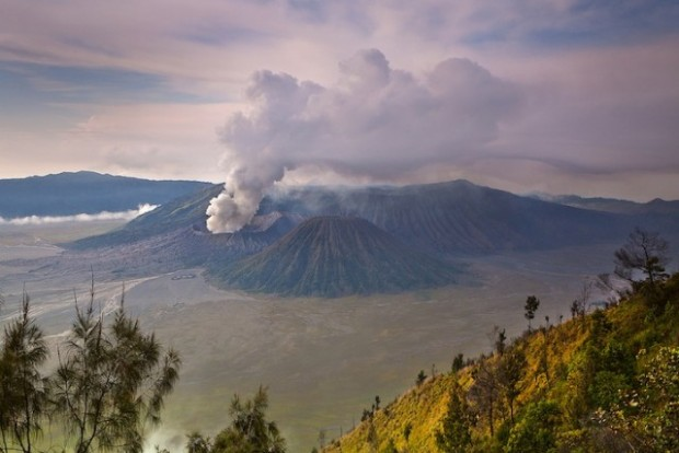 spectacular volcanic smoke 8