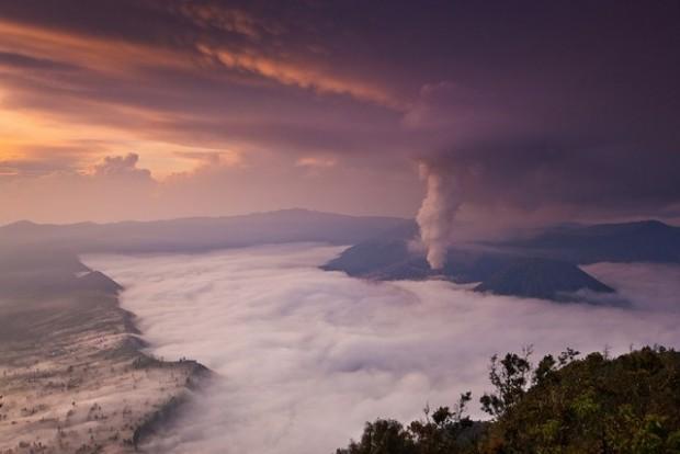 spectacular volcanic smoke 9