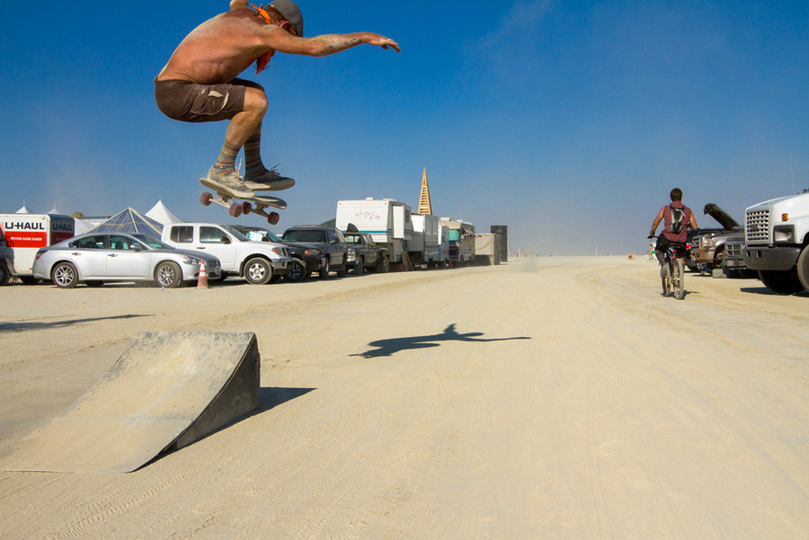skate burning man 2