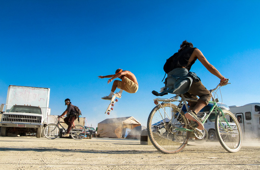skate burning man 3