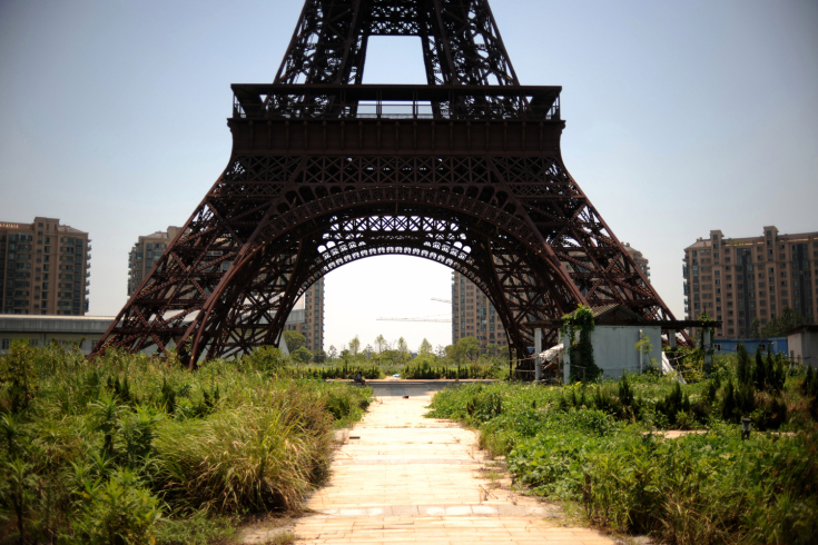 CHINA'S FAUX PARIS TURNS GHOST TOWN