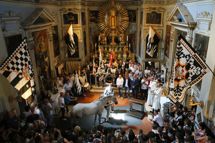 ITALY-TRADITION-HORSERACING-PALIO-BLESSING