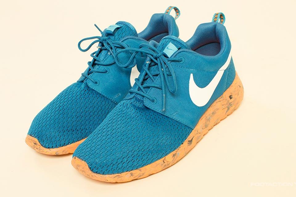 nike-roshe-run-blue-orange-02