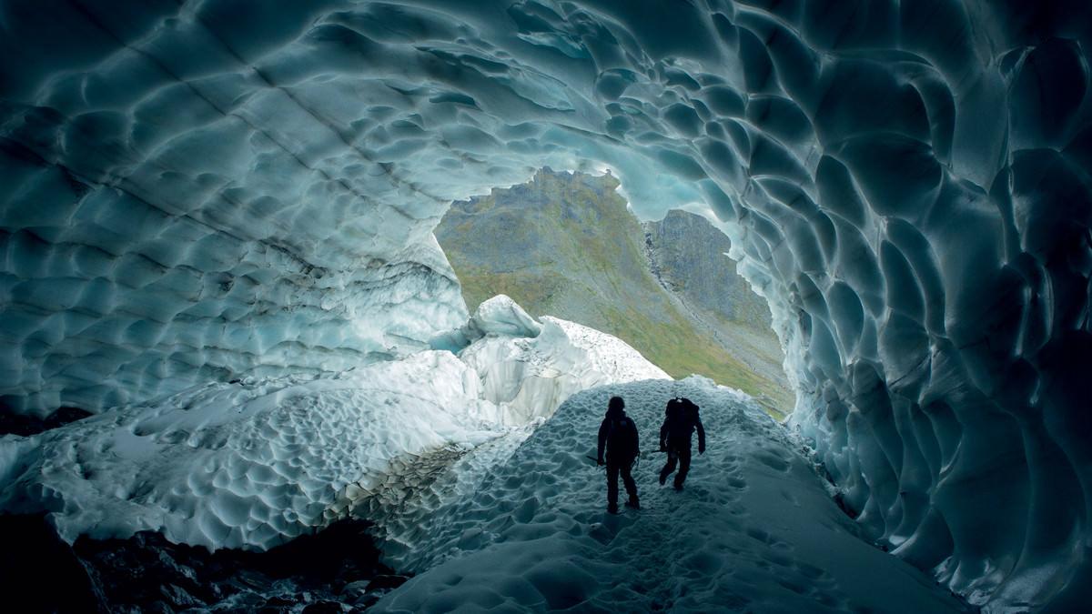 glacier-cave-thymann