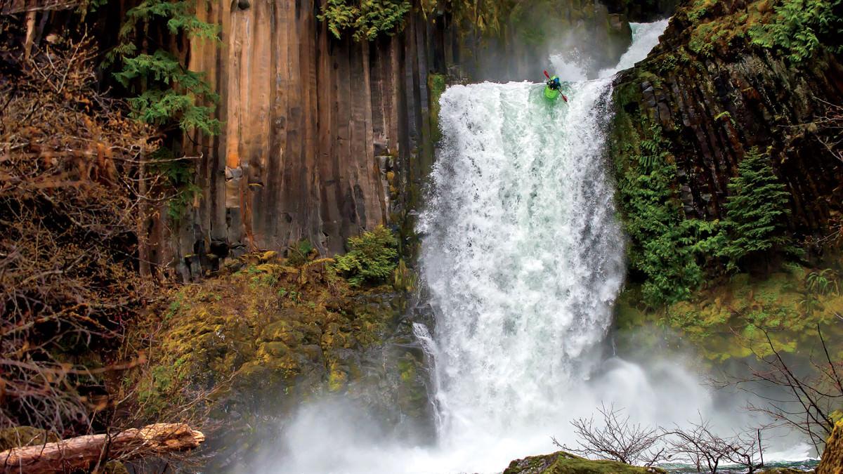 munsey-kayak-drop-oregon