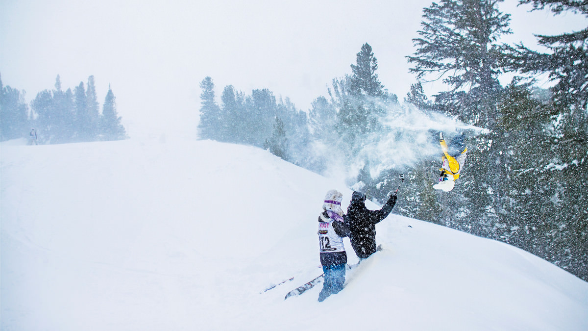 upsidedown-skier-smith