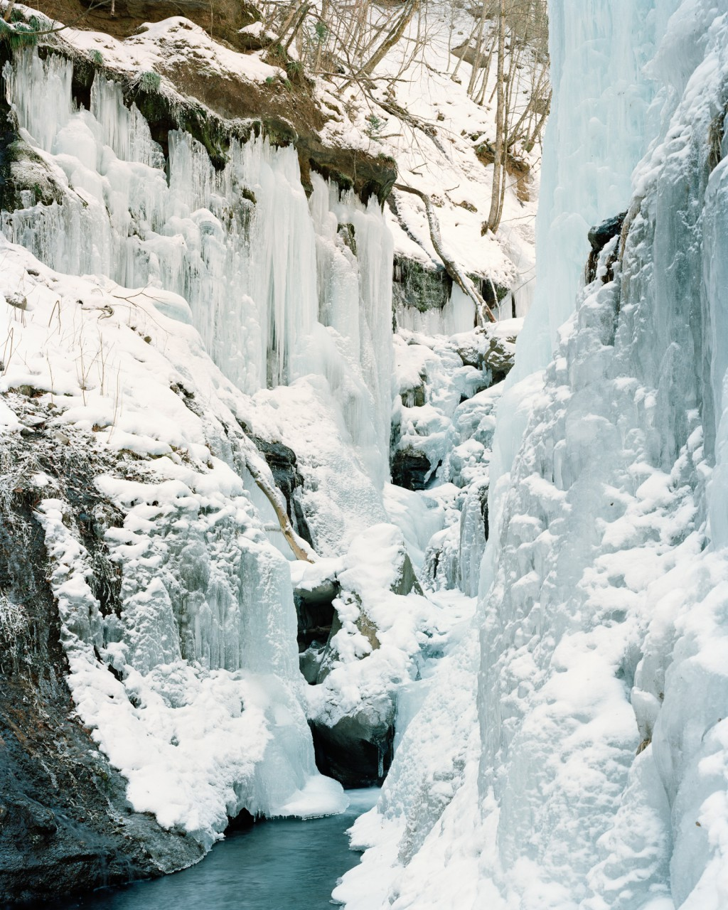 140306_icefall_007_s-1024x1280