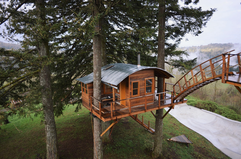 the-cinder-cone-treehouse-skatebowl-foster-huntington-designboom-04