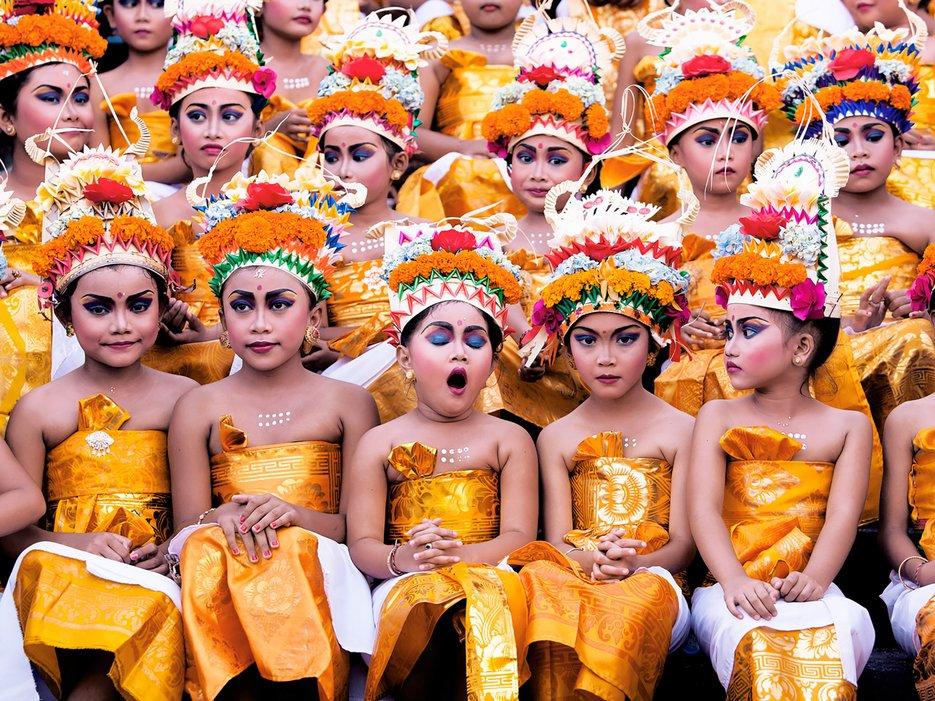 Too much practice, pendant le Melasti Festival à Bali, par khairel anuar che ani.