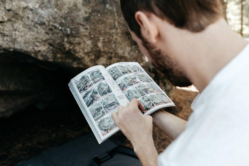 Autre incontournable du guide, le topo d'escalade de Fontainebleau