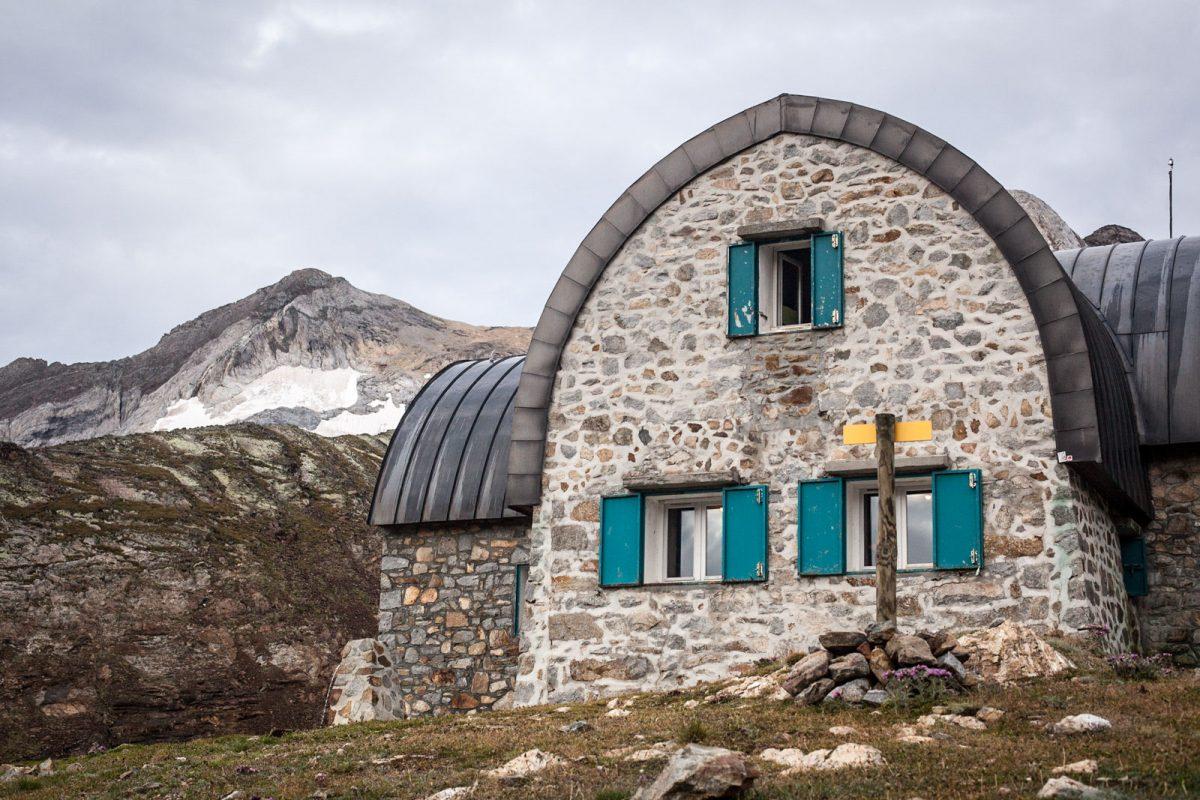 Le mythique refuge de Baysselance, un passage obligé pour vos randonnées dans le parc national des Pyrénées.