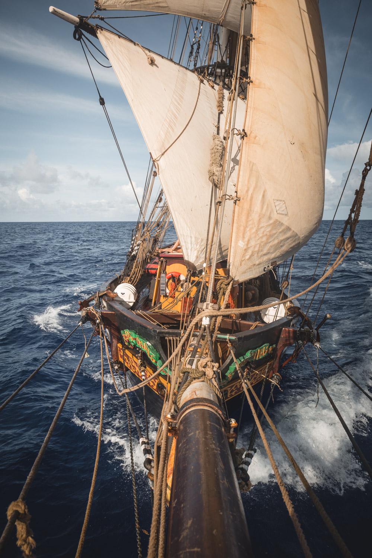 Une Traversee De L Atlantique Sur Le Tres Hombres Un Voilier Cargo