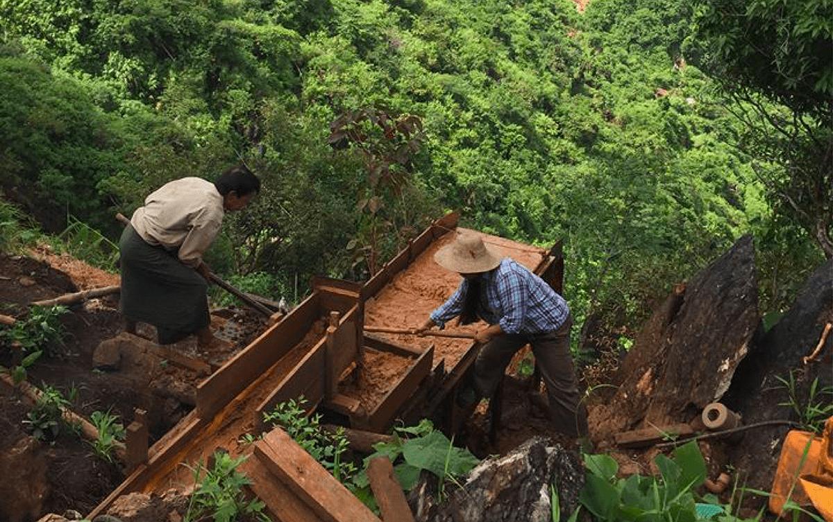 Hugo Nazarenko Birmanie Mogok rubis Les Baladeurs