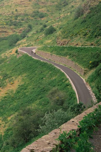 Les descentes en vélo gravel à travers les Monts d'Ardèche