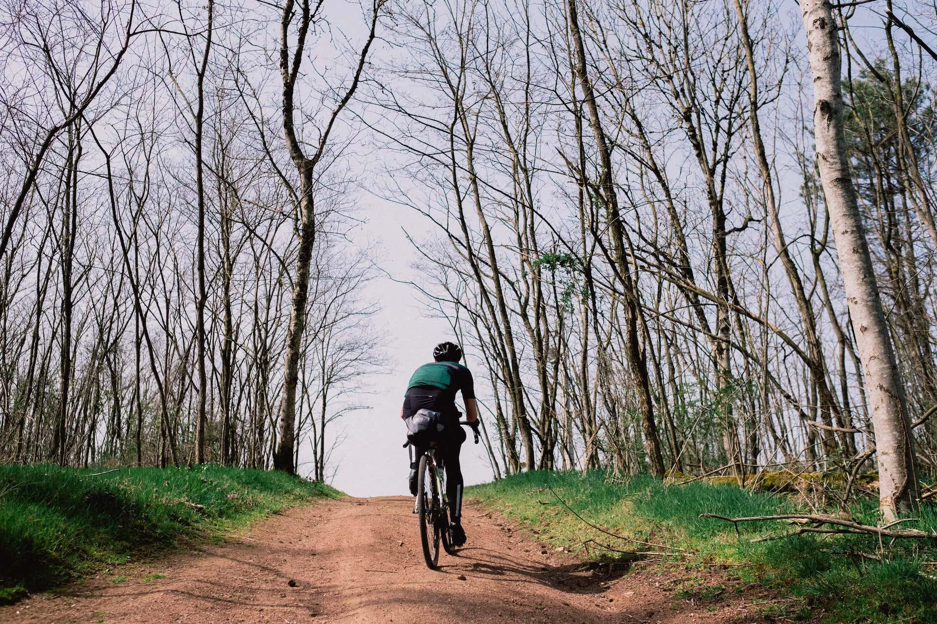 7 jours en vélo gravel à travers le Massif Central